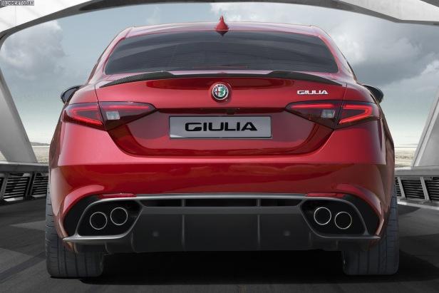 2016-Alfa-Romeo-Giulia-Quadrifoglio-Verde-05